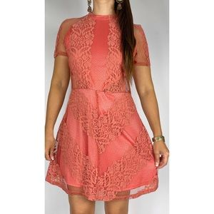 GLAMOUROUS Pink Lace High Neck Short Sleeve Party Dress Size AU 12-14